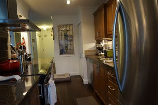 """Photo 4: 204 2424 CYPRESS Street in Vancouver: Kitsilano Condo for sale in """"Cypress Place"""" (Vancouver West)  : MLS®# R2152503"""