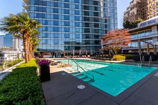 "Photo 20: 2402 1011 W CORDOVA Street in Vancouver: Coal Harbour Condo for sale in ""FAIRMONT PACIFIC RIM"" (Vancouver West)  : MLS®# R2159194"