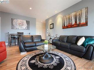 Photo 2: 201 1325 Bear Mountain Pkwy in VICTORIA: La Bear Mountain Condo Apartment for sale (Langford)  : MLS®# 758138
