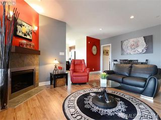 Photo 4: 201 1325 Bear Mountain Pkwy in VICTORIA: La Bear Mountain Condo Apartment for sale (Langford)  : MLS®# 758138