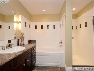 Photo 10: 201 1325 Bear Mountain Pkwy in VICTORIA: La Bear Mountain Condo Apartment for sale (Langford)  : MLS®# 758138