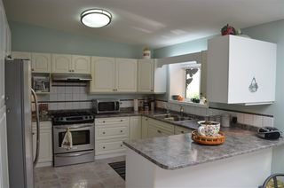 "Photo 5: 129 9080 198 Street in Langley: Walnut Grove Manufactured Home for sale in ""Forest Green Estates"" : MLS®# R2187583"