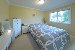 Photo 11: 3023 REECE AVENUE: House for sale : MLS®# V1094878