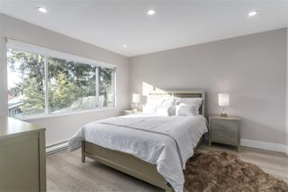 "Photo 10: 633 FIR Street in North Vancouver: Hamilton House for sale in ""Hamilton"" : MLS®# R2216128"