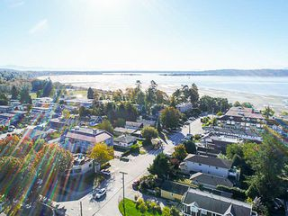 Photo 18: 923 MAPLE Street: White Rock House for sale (South Surrey White Rock)  : MLS®# R2213395