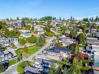 Photo 20: 923 MAPLE Street: White Rock House for sale (South Surrey White Rock)  : MLS®# R2213395