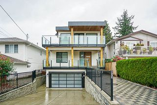 Photo 1: 923 MAPLE Street: White Rock House for sale (South Surrey White Rock)  : MLS®# R2213395
