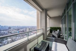 Photo 3: 1513 111 W St Clair Avenue in Toronto: Yonge-St. Clair Condo for sale (Toronto C02)  : MLS®# c3922477