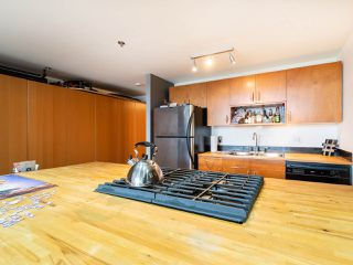 Photo 11: 308 336 E 1ST Avenue in Vancouver: Mount Pleasant VE Condo for sale (Vancouver East)  : MLS®# R2254984