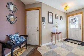 Photo 2: 59 CRYSTALRIDGE Close: Okotoks House for sale : MLS®# C4177161