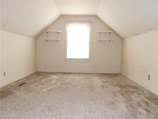 Photo 12: 35 Thorndale Avenue in Winnipeg: St Vital Residential for sale (2D)  : MLS®# 1813983