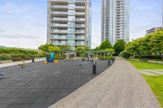 "Photo 16: 607 2978 GLEN Drive in Coquitlam: North Coquitlam Condo for sale in ""GRAND CENTRAL"" : MLS®# R2302691"