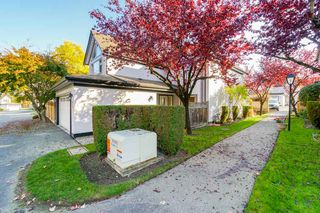 "Photo 3: 44 8567 164 Street in Surrey: Fleetwood Tynehead Townhouse for sale in ""MONTA ROSA"" : MLS®# R2317384"