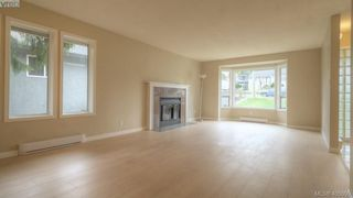 Photo 3: 4310 Dieppe Rd in VICTORIA: SE High Quadra Single Family Detached for sale (Saanich East)  : MLS®# 804957