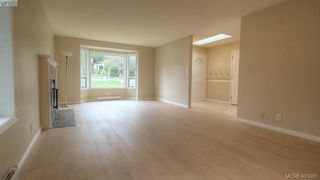 Photo 4: 4310 Dieppe Rd in VICTORIA: SE High Quadra Single Family Detached for sale (Saanich East)  : MLS®# 804957