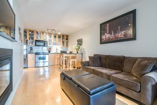 "Photo 4: 1705 969 RICHARDS Street in Vancouver: Downtown VW Condo for sale in ""Mondrian II"" (Vancouver West)  : MLS®# R2344228"