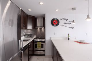 """Photo 3: 704 1250 BURNABY Street in Vancouver: West End VW Condo for sale in """"Horizon"""" (Vancouver West)  : MLS®# R2359043"""