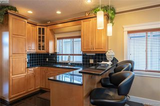 Photo 3: 248 Crease Ave in VICTORIA: SW Tillicum House for sale (Saanich West)  : MLS®# 811194