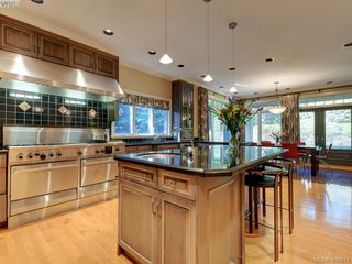 Photo 14: 3220 Exeter Road in VICTORIA: OB Uplands Single Family Detached for sale (Oak Bay)  : MLS®# 408971