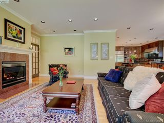 Photo 6: 3220 Exeter Road in VICTORIA: OB Uplands Single Family Detached for sale (Oak Bay)  : MLS®# 408971