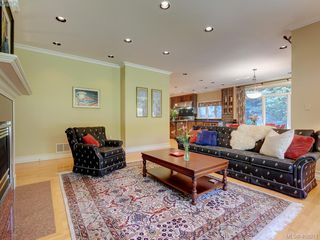 Photo 7: 3220 Exeter Road in VICTORIA: OB Uplands Single Family Detached for sale (Oak Bay)  : MLS®# 408971