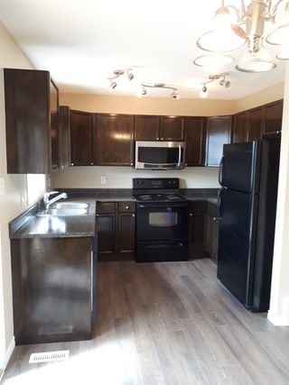 Photo 5: 2379 30 Avenue in Edmonton: Zone 30 House for sale : MLS®# E4158095