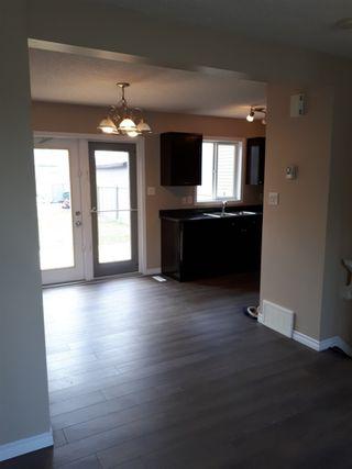 Photo 4: 2379 30 Avenue in Edmonton: Zone 30 House for sale : MLS®# E4158095