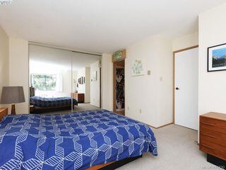 Photo 11: 4 1096 Stoba Lane in VICTORIA: SE Quadra Row/Townhouse for sale (Saanich East)  : MLS®# 815258
