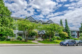 """Photo 10: 302 1378 FIR Street: White Rock Condo for sale in """"Chatsworth Manor"""" (South Surrey White Rock)  : MLS®# R2383606"""