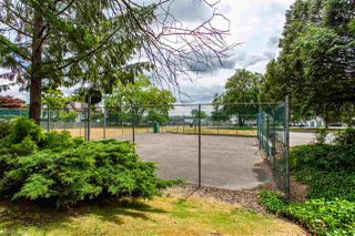"Photo 17: 6013 E GREENSIDE Drive in Surrey: Cloverdale BC Townhouse for sale in ""Greenside"" (Cloverdale)  : MLS®# R2383724"