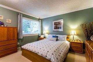 "Photo 8: 6013 E GREENSIDE Drive in Surrey: Cloverdale BC Townhouse for sale in ""Greenside"" (Cloverdale)  : MLS®# R2383724"