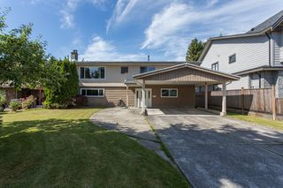 Photo 1: 10231 SPRINGHILL Crescent in Richmond: Steveston North House for sale : MLS®# R2383940