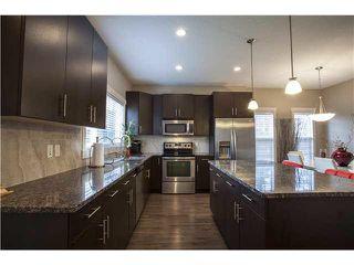 Photo 4: 904 VALOUR Way in Edmonton: Zone 27 Townhouse for sale : MLS®# E4168480