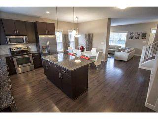 Photo 3: 904 VALOUR Way in Edmonton: Zone 27 Townhouse for sale : MLS®# E4168480