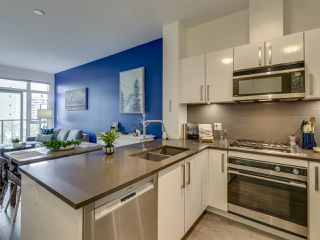 """Photo 6: 307 105 W 2ND Street in North Vancouver: Lower Lonsdale Condo for sale in """"Wallace and McDowell"""" : MLS®# R2412599"""