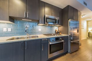 Photo 2: 304 38 W 1ST Avenue in Vancouver: False Creek Condo for sale (Vancouver West)  : MLS®# R2424453