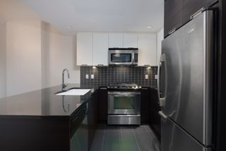 "Photo 7: 502 2968 GLEN Drive in Coquitlam: North Coquitlam Condo for sale in ""GRAND CENTRAL II"" : MLS®# R2440848"