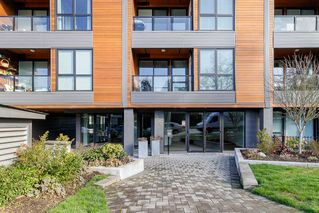 Photo 1: 302 2267 PITT RIVER Road in Port Coquitlam: Central Pt Coquitlam Condo for sale : MLS®# R2443359
