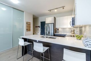 Photo 5: 302 2267 PITT RIVER Road in Port Coquitlam: Central Pt Coquitlam Condo for sale : MLS®# R2443359