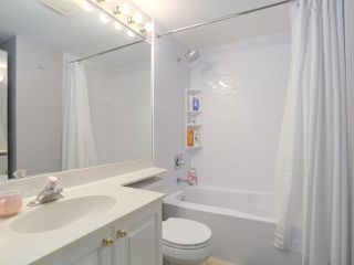 """Photo 14: 408 135 ELEVENTH Street in New Westminster: Uptown NW Condo for sale in """"QUEENS TERRACE"""" : MLS®# R2445118"""