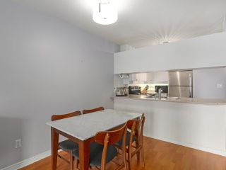 """Photo 6: 408 135 ELEVENTH Street in New Westminster: Uptown NW Condo for sale in """"QUEENS TERRACE"""" : MLS®# R2445118"""
