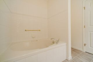 "Photo 13: 207 3098 GUILDFORD Way in Coquitlam: North Coquitlam Condo for sale in ""Malborough House"" : MLS®# R2449072"
