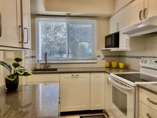 """Photo 6: 6722 KNEALE Place in Burnaby: Montecito Townhouse for sale in """"SPERLING TOWNHOUSES"""" (Burnaby North)  : MLS®# R2450745"""