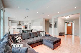 Photo 10: 2704 LIONEL Crescent SW in Calgary: Lakeview Detached for sale : MLS®# C4297137