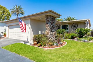Photo 2: OCEANSIDE House for sale : 2 bedrooms : 3808 Vista Campana S #47