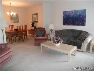 Photo 14: 14 2560 Wilcox Terr in VICTORIA: CS Tanner Row/Townhouse for sale (Central Saanich)  : MLS®# 588799