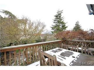 Photo 18: 2048 Newton St in VICTORIA: OB Henderson House for sale (Oak Bay)  : MLS®# 593355
