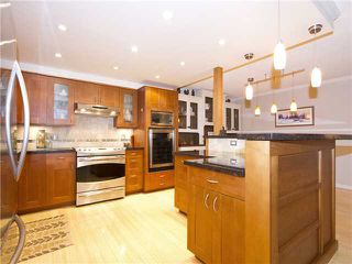 """Photo 2: 35 1425 LAMEY'S MILL Road in Vancouver: False Creek Condo for sale in """"HARBOUR TERRACE"""" (Vancouver West)  : MLS®# V1033842"""