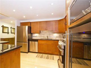 """Photo 3: 35 1425 LAMEY'S MILL Road in Vancouver: False Creek Condo for sale in """"HARBOUR TERRACE"""" (Vancouver West)  : MLS®# V1033842"""
