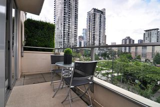 "Photo 12: 411 1225 RICHARDS Street in Vancouver: Yaletown Condo for sale in ""Eden"" (Vancouver West)  : MLS®# V1052342"